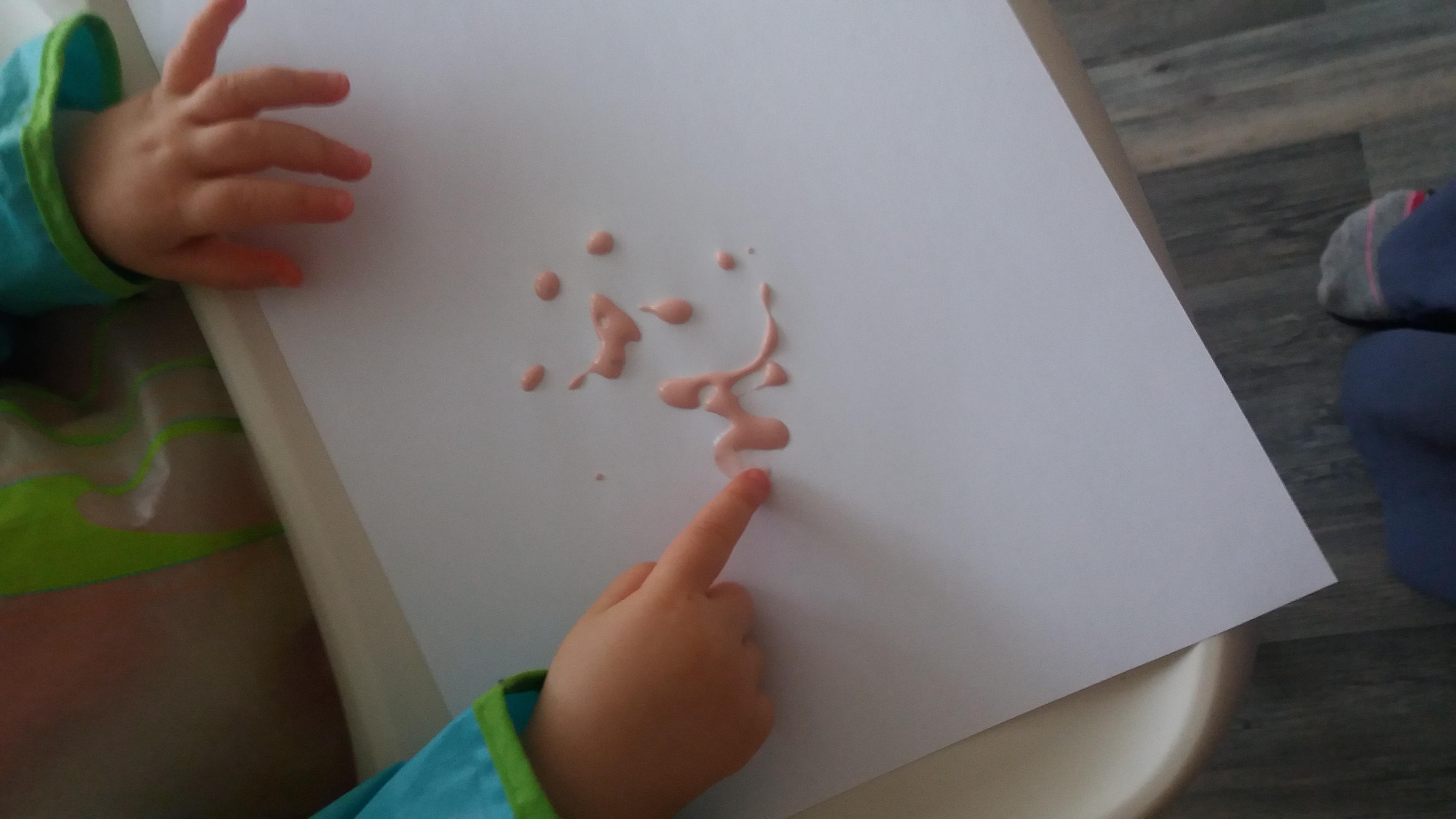 Activité sensorielle peinture comestible bébé enfant végétal