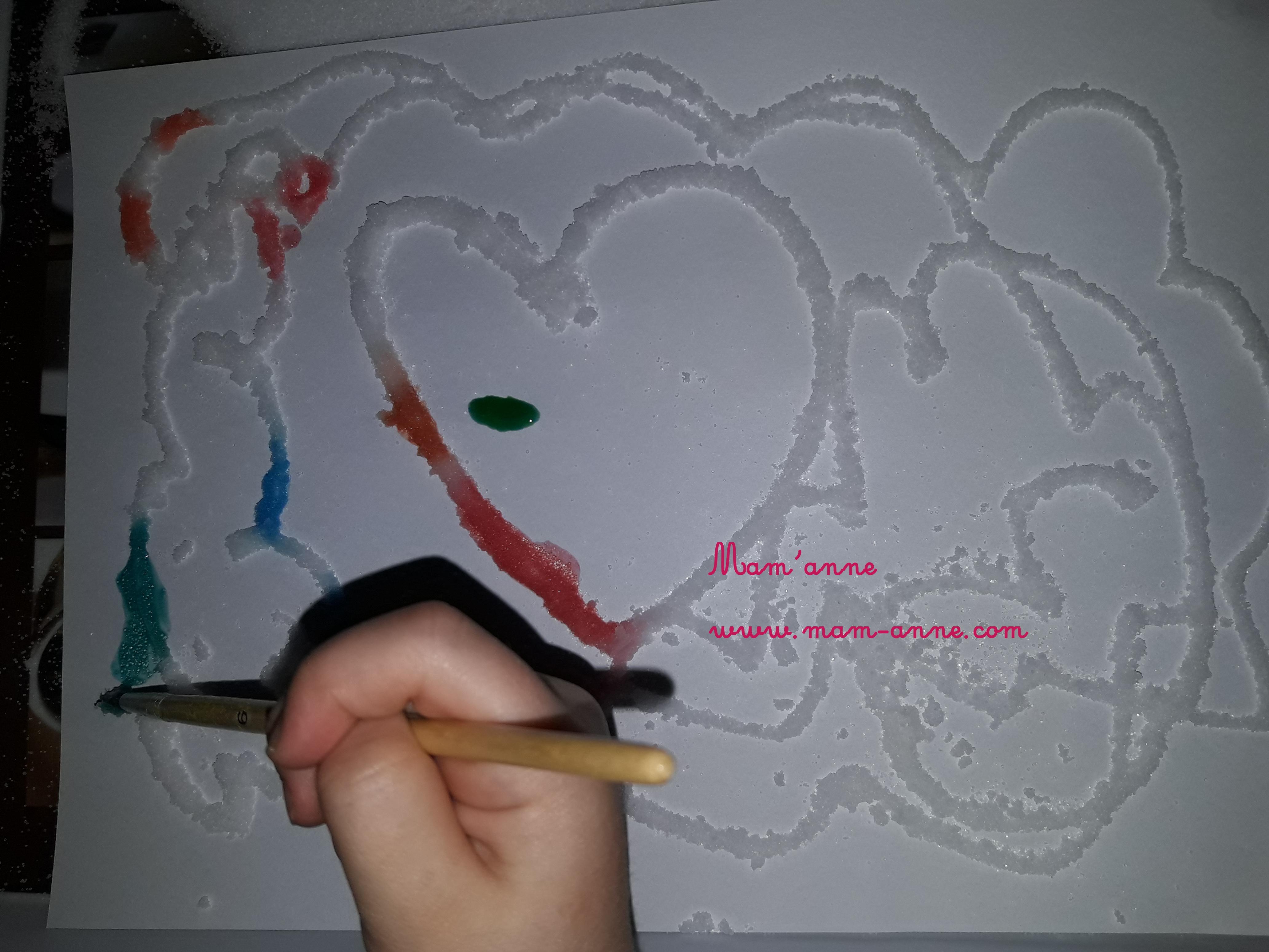 peinture sur sel enfant activité sensorielle